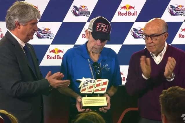 La MotoGp ricorda Nicky Hayden, ritirato il numero del pilota scomparso