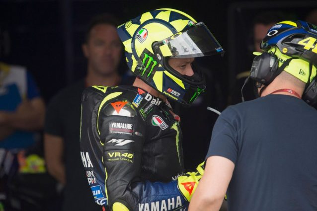Valentino Rossi al box / Getty