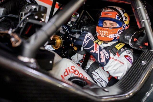Andrea Dovizioso, 33 anni, accanto all'Audi RS5 del DTM / Audi Sport