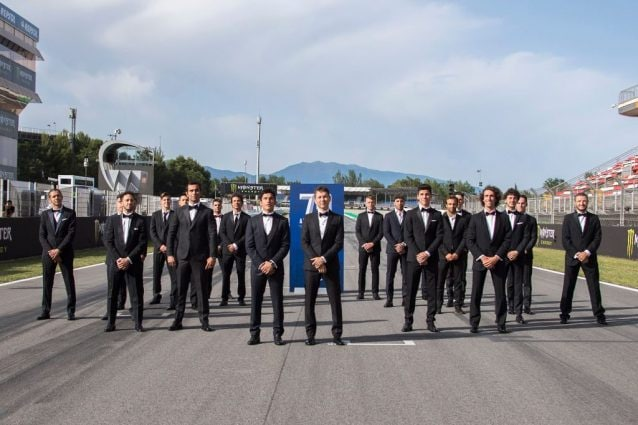 I piloti MotoGP sulla griglia di partenza di Barcellona / Getty