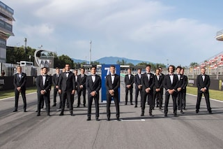 MotoGP, piloti in smoking a Barcellona per i 70 anni dal primo GP