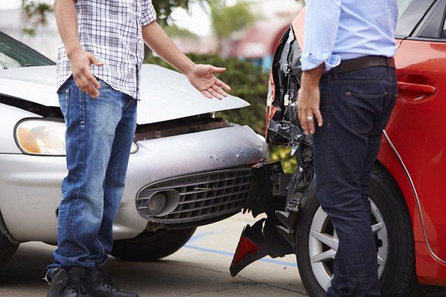Due auto coinvolte in un incidente stradale