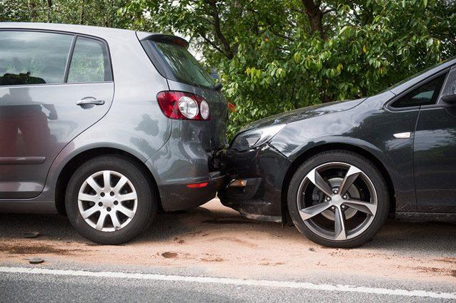 Tamponamento tra due auto