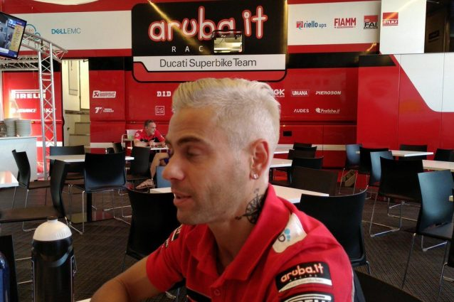 Alvaro Bautista al box Ducati / Aruba.it Racing