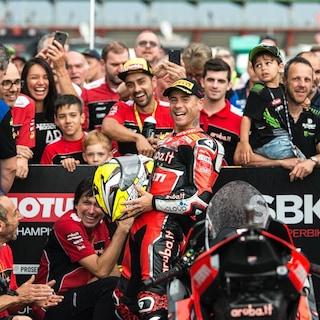 SBK, a Misano la festa è comunque per Bautista: bebè in arrivo per il pilota Ducati