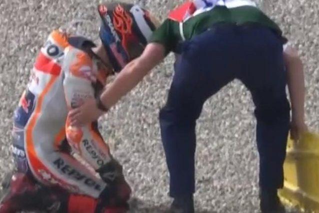 Jorge Lorenzo negli istanti successivi alla caduta / MotoGP