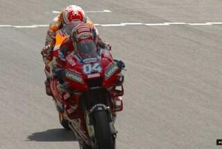 MotoGP Mugello, Marquez sfrutta Dovi e vola in pole, lontano Rossi