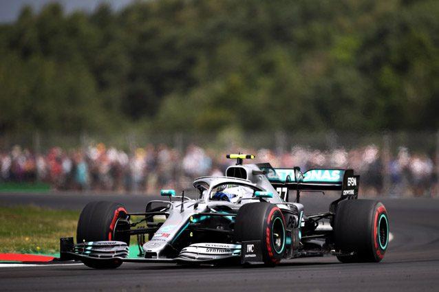A Silverstone sesto trionfo per Hamilton, terza la Ferrari di Leclerc