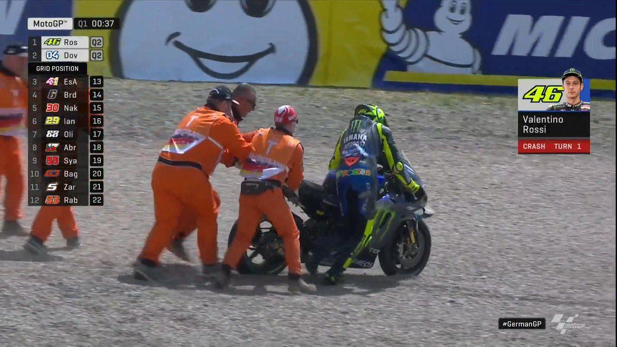 Valentino Rossi dopo la caduta nelle libere 1 / MotoGP.com