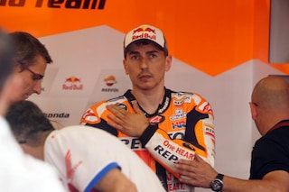 MotoGP, Lorenzo salta i GP di Repubblica Ceca e Austria: tornerà in sella alla Honda a Silverstone