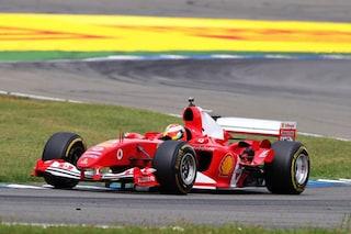 Mick Schumacher nel nome del padre, il tedesco guida la Ferrari F2004 a Hockenheim