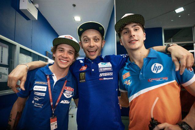 da sinistra, Marco Bezzecchi, 20 anni, Valentino Rossi, 40, e Lorenzo Baldassarri, 22.