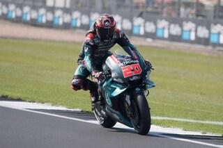 MotoGP Silverstone, Quartararo si prende il warm up, 4° Rossi