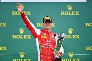"""Ross Brawn: """"Emozionante veder vincere Mick Schumacher, mi ha ricordato suo padre Michael"""""""