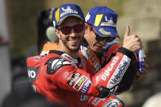 Il pilota Ducati, Andrea Dovizioso, accanto al campione in carica Honda, Marc Marquez / Getty