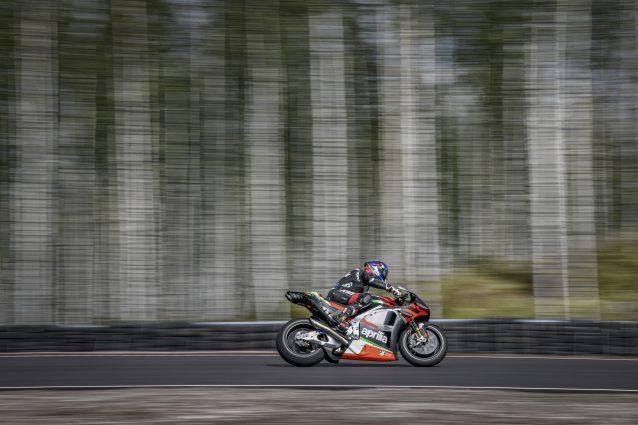 Il collaudatore dell'Aprilia Bradley Smith al KymiRing / MotoGP.com