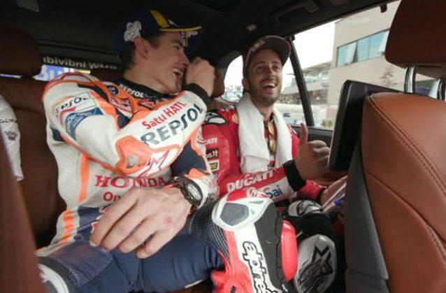 Marquez e Dovizioso scherzano dopo la vittoria del forlivese in Austria / MotoGP.com