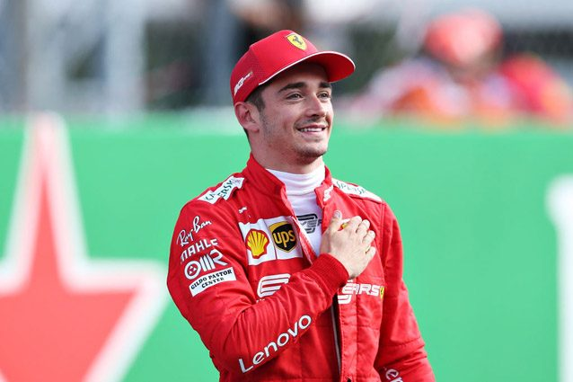 Charles Leclerc esulta dopo la pole position a Monza – Getty images