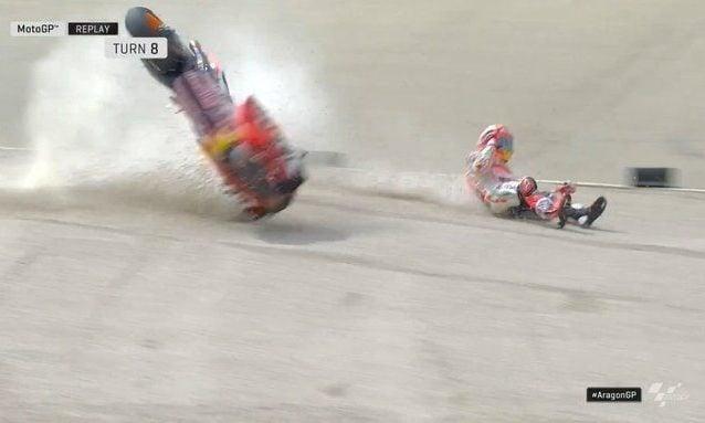 La caduta di Marc Marquez alla curva 8 / motogp.com