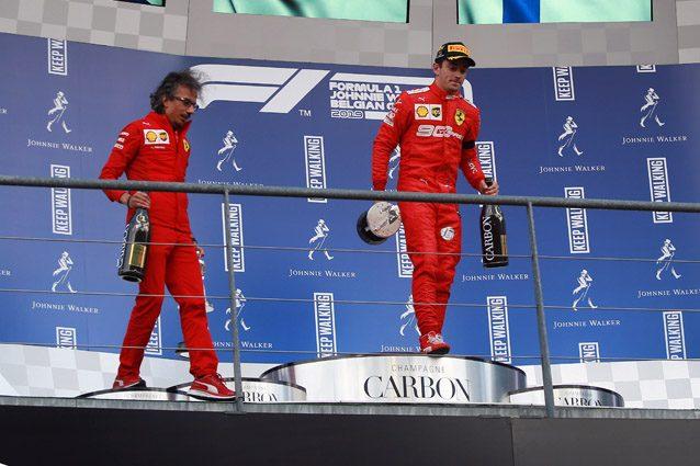 Laurent Mekies sul podio con Charles Leclerc – LaPresse