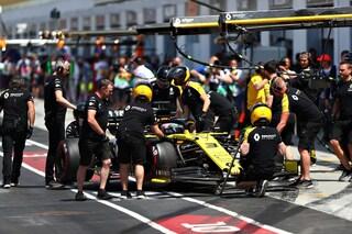 F1, Renault squalificata dal GP del Giappone. Leclerc sale al 6° posto