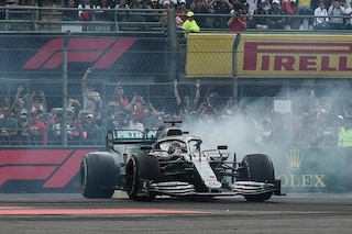 Mercedes a quota 100 vittorie in F1, ma la festa iridata di Hamilton è rimandata