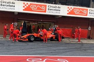 Vettel gira a Barcellona con la Ferrari, il tedesco testa le gomme Pirelli 2020
