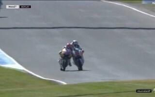 Moto2, manovra shock di Lowes: dà una spallata intenzionale a Raffin
