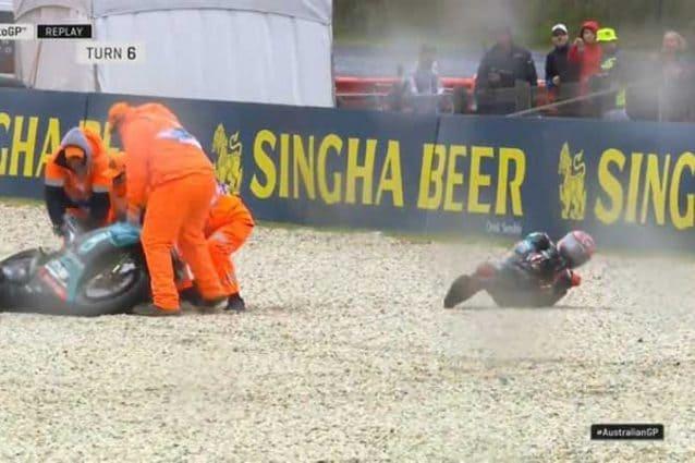 Fabio Quartararo a terra subito dopo la caduta nelle libere 1 / MotoGP.com