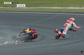 MotoGP Sepang, Marquez cade e Quartararo vola in pole, 6° Rossi
