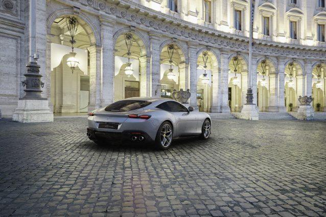 La nuova Ferrari per le strade della Capitale / Ferrari