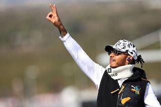 F1, GP Usa: Hamilton secondo e felice, vince il sesto Mondiale e punta Schumacher