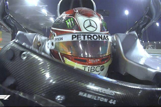 Lewis Hamilton nel giro della pole ad Abu Dhabi / F1