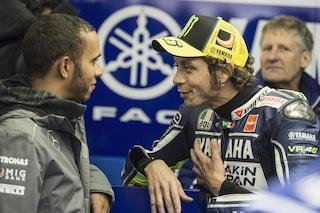 """Valentino Rossi pronto allo scambio con Hamilton: """"Non vedo l'ora di risalire su una F1 """""""