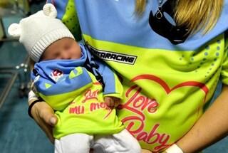 Kiara Fontanesi neo mamma, la figlia Skyler è già una piccola crossista