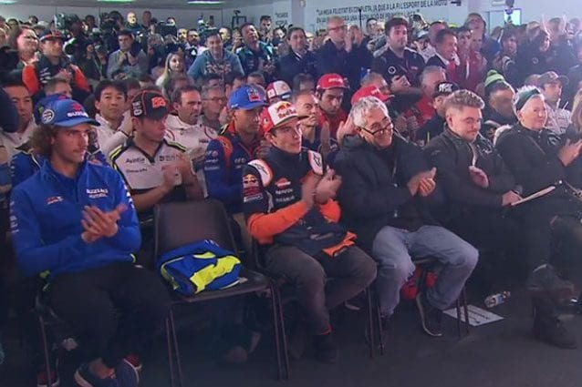 Il posto di Valentino Rossi rimasto vuoto in prima fila / MotoGP.com
