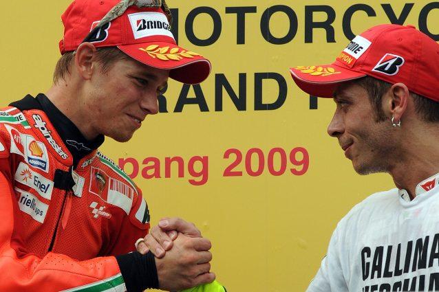 Casey Stoner e Valentino Rossi su podio di Sepang nel 2009 / Getty