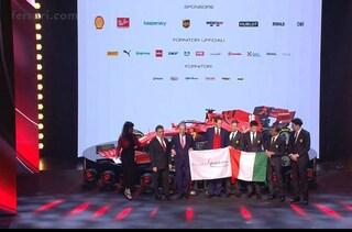 """""""In Ferrari c'è ancora tanta fame di vittoria"""": le parole di John Elkann esaltano i tifosi"""