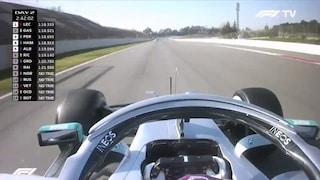 Test Barcellona, ecco Perez ma la novità è Mercedes: Hamilton muove il volante in avanti e indietro