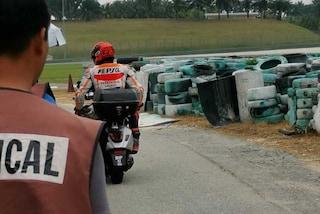 """Marc Marquez, altra caduta nei test MotoGP a Sepang: """"Mi è mancata l'energia"""""""