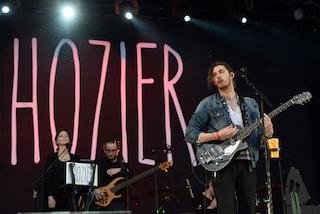 """Chi è Hozier, il cantante dietro il successo di """"Take Me To Church"""""""