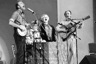 Addio a Ronnie Gilbert, voce dei Weavers e del folk americano