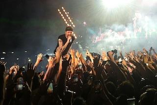 """""""Je so pazzo"""" e Jovanotti tocca il cielo di Napoli"""
