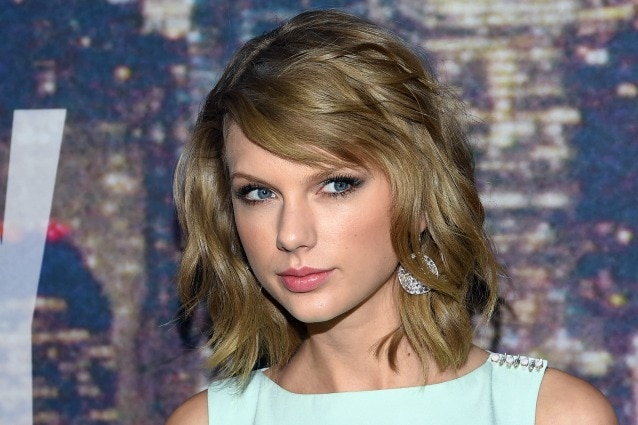attends SNL 40th Anniversary Celebration at Rockefeller Plaza on February 15, 2015 in New York City.