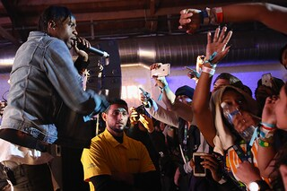 Arrestato Travi$ Scott: aveva incitato i fan a passare le barriere durante il live (VIDEO)