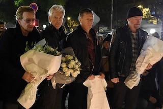 """Bono degli U2: """"Gli attentati di Parigi sono un attacco alla musica"""""""