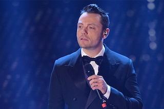 Tiziano Ferro annulla due concerti per un 'crollo fisico': 'Non riesco a cantare'