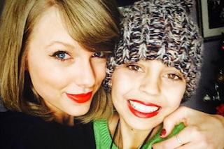 """Il regalo di Taylor Swift a una piccola fan malata di cancro: """"Sono senza parole, grazie"""""""