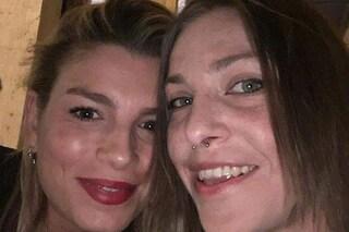 Emma e Loredana Errore di nuovo assieme: 'Ti voglio bene', 'Aspettavo questo abbraccio'