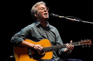 Eric Clapton sulle difficoltà di suonare: 'Sono malato, ma fortunato a essere vivo'